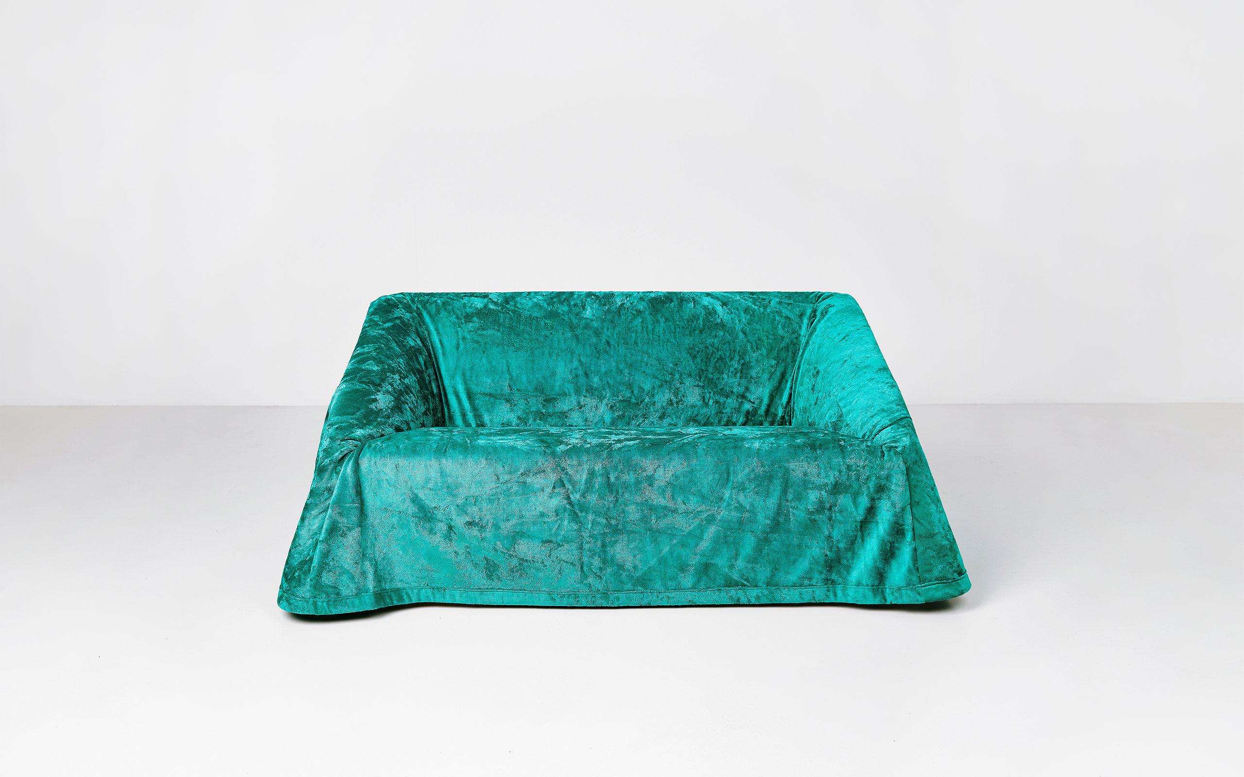 Mantilla sofa 160 by Kazuhide Takahama | Paradisoterrestre