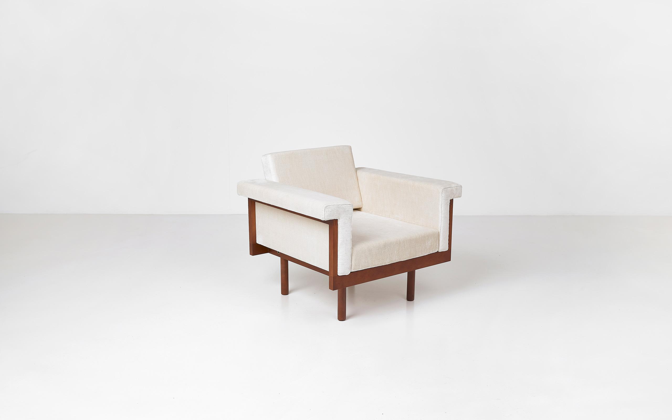 Naeko armchair by Kazuhide Takahama | Paradisoterrestre