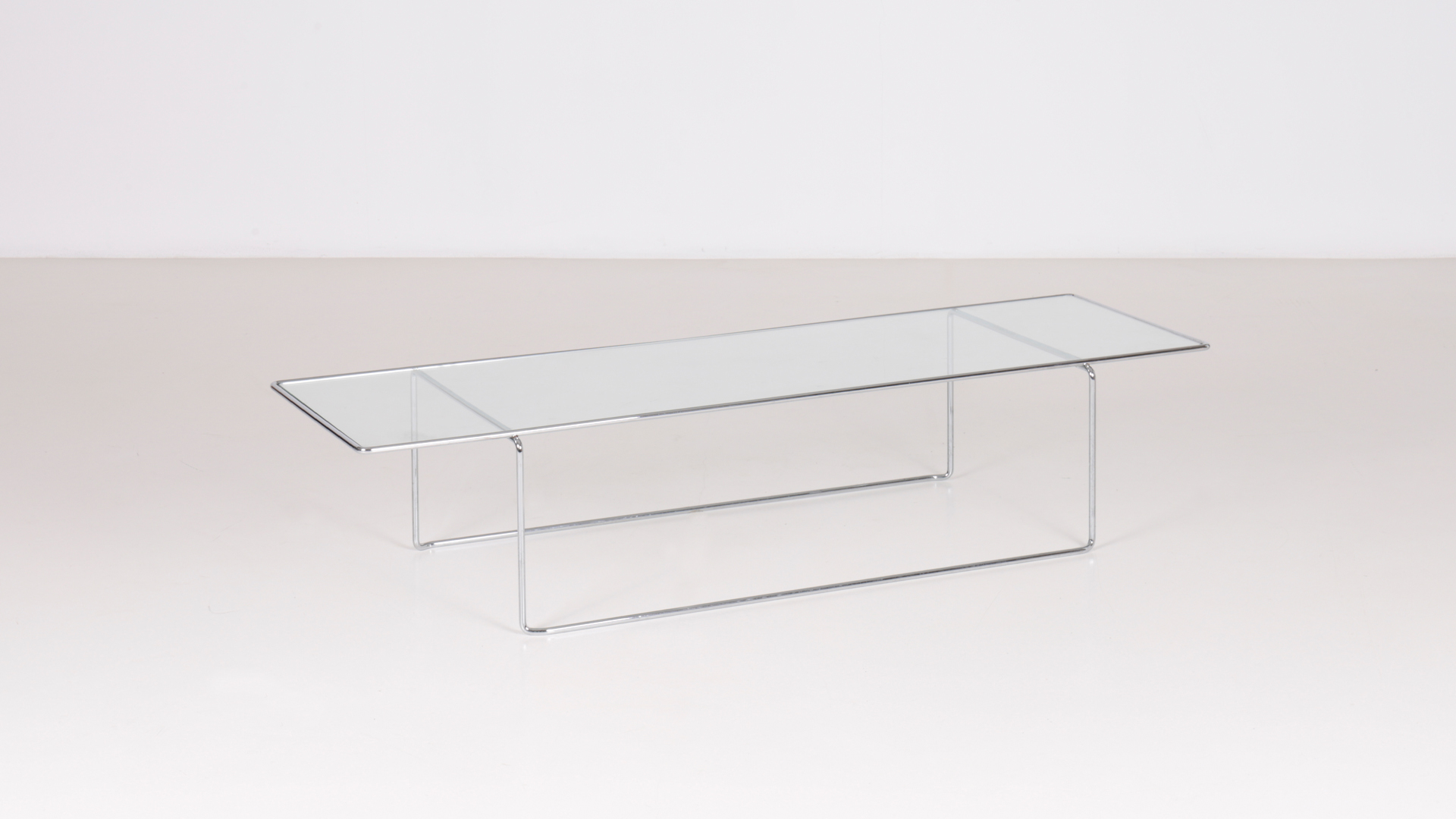 Marcel 148 low table by Kazuhide Takahama | Paradisoterrestre