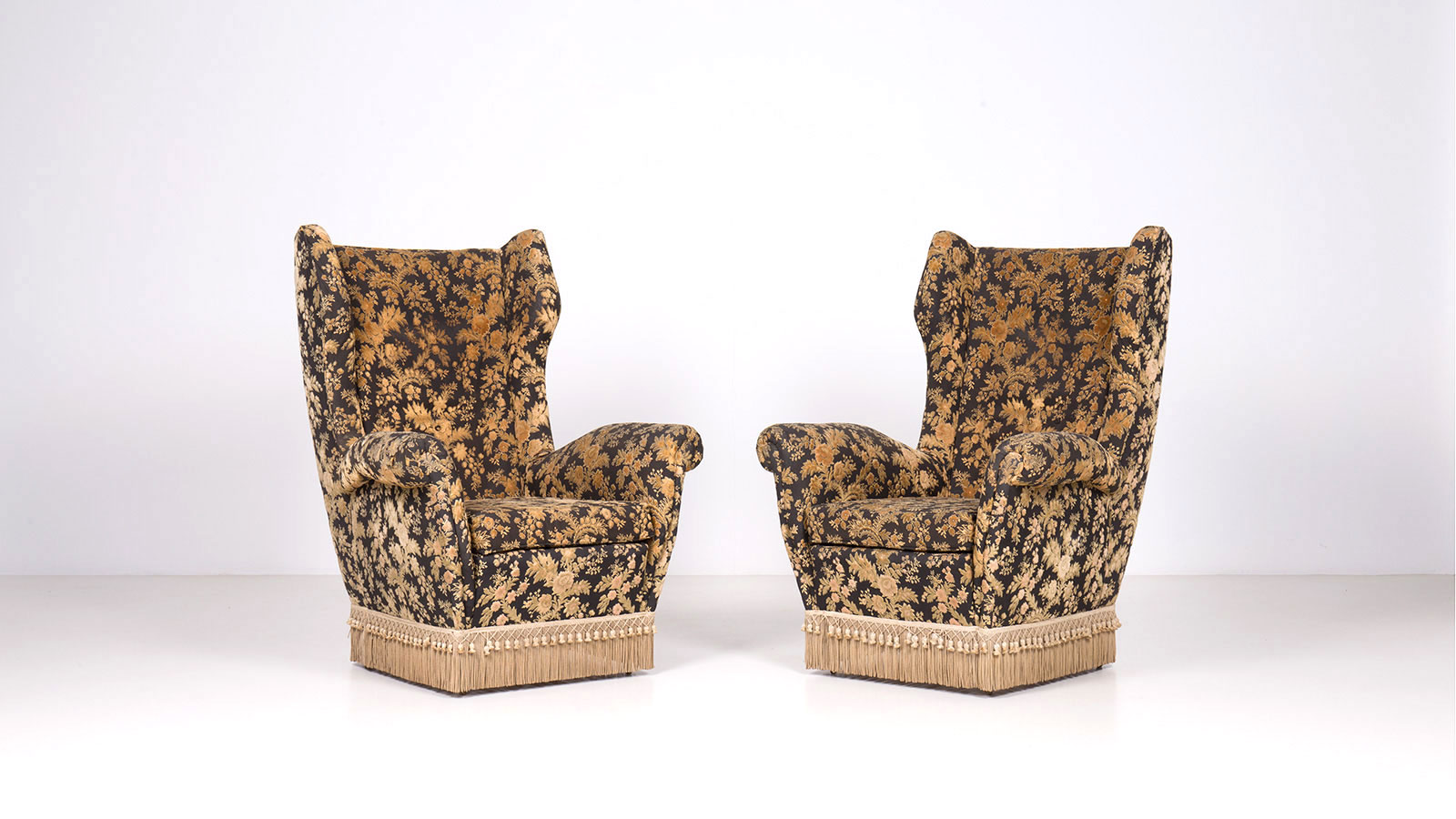 Armchairs by Melchiorre Bega | Paradisoterrestre