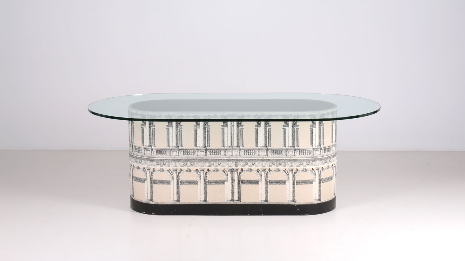 Fornasetti table | Paradisoterrestre