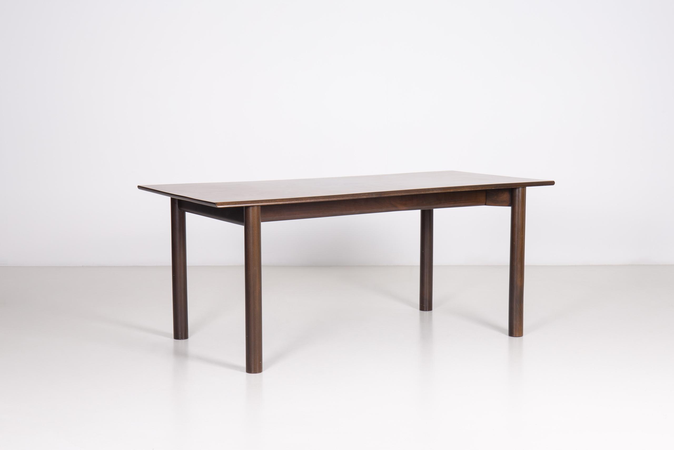 Milano table by Achille & Pier Giacomo Castiglioni | Paradisoterrestre
