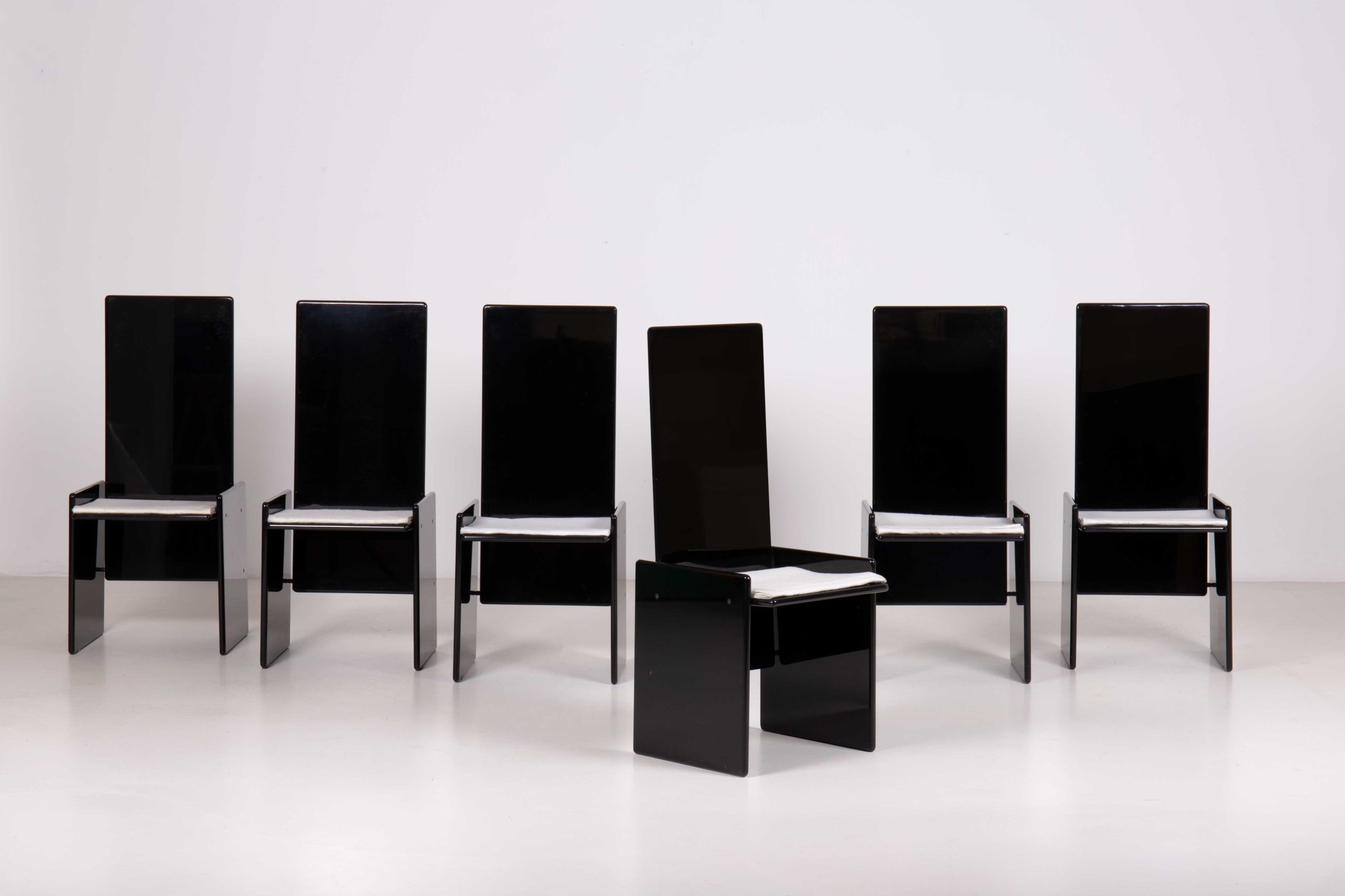 Kazuki chairs by Kazuhide Takahama | Paradisoterrestre